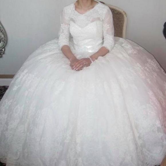 Dresses | Alita Graham 7709 Wedding Dress From Kleinfelds | Poshmark